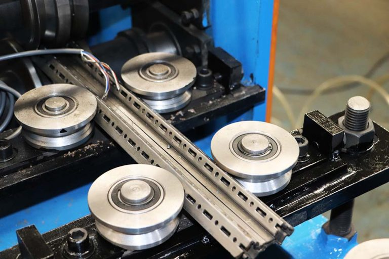 How to deal with the burrs which Cold Roll Forming Machine occus during production